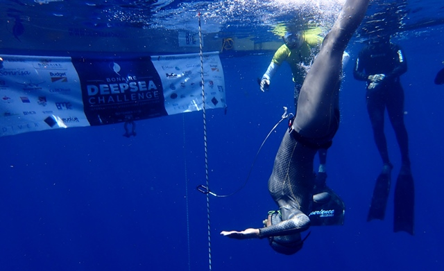 Carlos Coste sets two records during Bonaire DeepSea